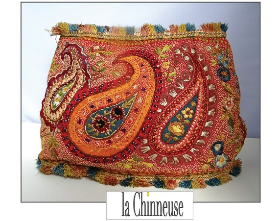 Vintage embroidered POUCH / Embroidered Rare Pocke