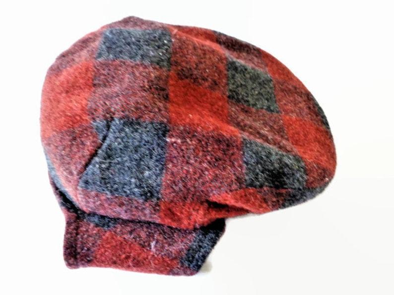 1a71135785c08 GOTTMANN Men s Plaid Wool Blend Driving Cap Hat with Ear