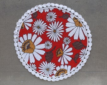 Handmade red round top in vintage France/ 1970s embroidered napperon