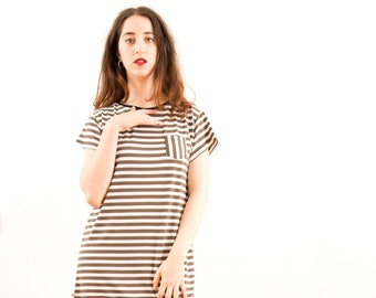 Striped cotton dress with short sleeve, straight, with side pocket, very cool and comfortable, made in Barcelona, fashion of proximity