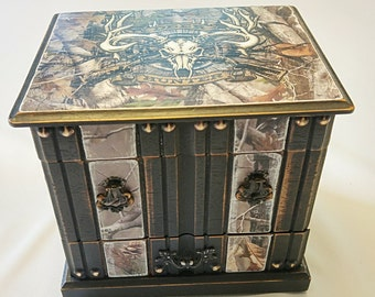 Camo jewelry box/camouflage jewelry storage/deer hunter/ hunting box/outdoors box