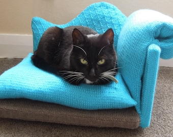 Cat Bed (Chaise Longue/Lounge Style Knitting Pattern