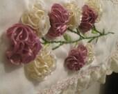 Articulos Similares A Toalla Para Mano Decorada Con Flores Bordadas