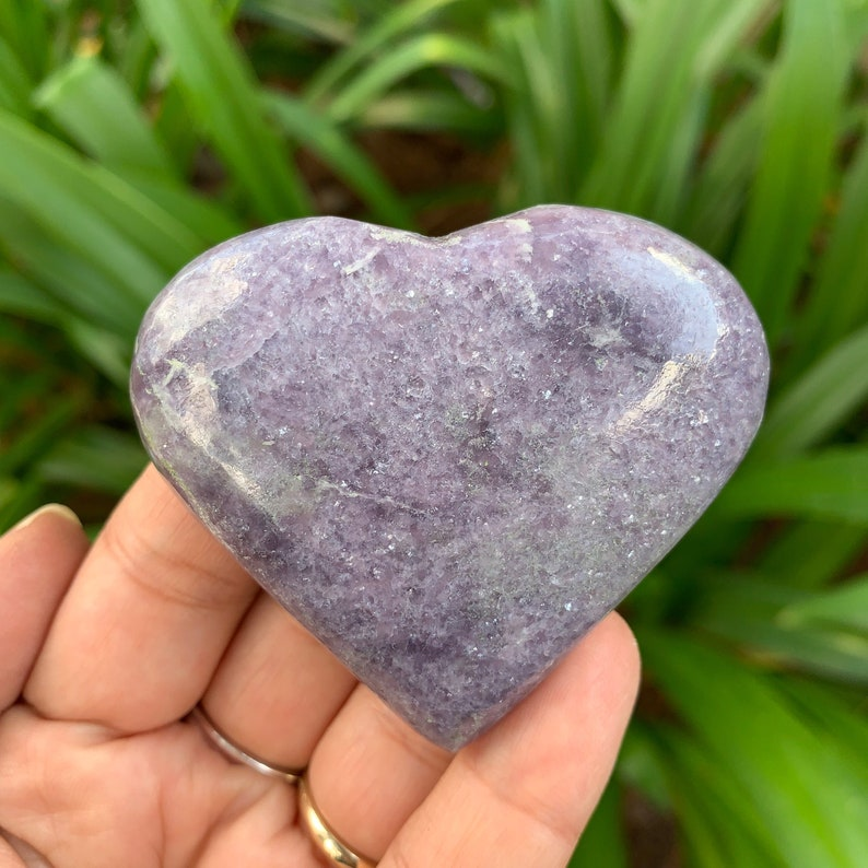 Lepidolite Crystal Heart Fully Polished // Transition image 0