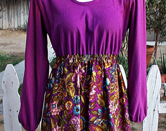 Vintage 70's Psychedelic Beeline Fashions Purple Flowers Hostess Lounge Maxi Dress