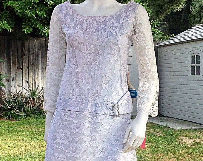 Vintage 60s MOD GoGo Space-Age Twiggy Blue White Lace Special Occasion Petite Juniors Long Sleeve Mini Sheath Shift Dress
