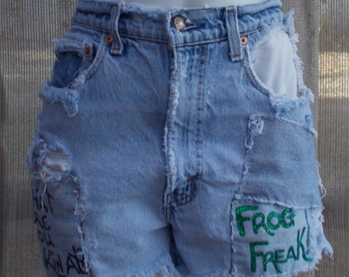 Vintage 70's Red Tab Levis Strauss Embellished Green Frog Freak Hippie Chic Distressed Denim Blue Jean Cut Off Shorts