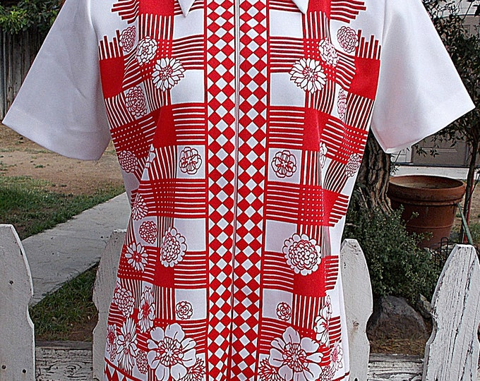 Vintage 70's Mod Hippie Polyester Red White Double Knit Floral Geometric Uniform Blouse Zipper Tunic Top