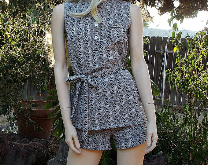 Vintage Handmade 60's 70's Go-Go MOD Twiggy Brown White Geometric Polyester Sleeveless Top Belt Hot Pants Short Shorts Playsuit Set