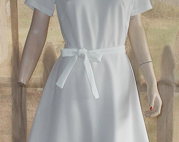 Vintage Handmade 60's Atomic Go-Go Space-Age White Polyester Embroidered Ribbon Knee Length Short Sleeve MOD Dress Belt