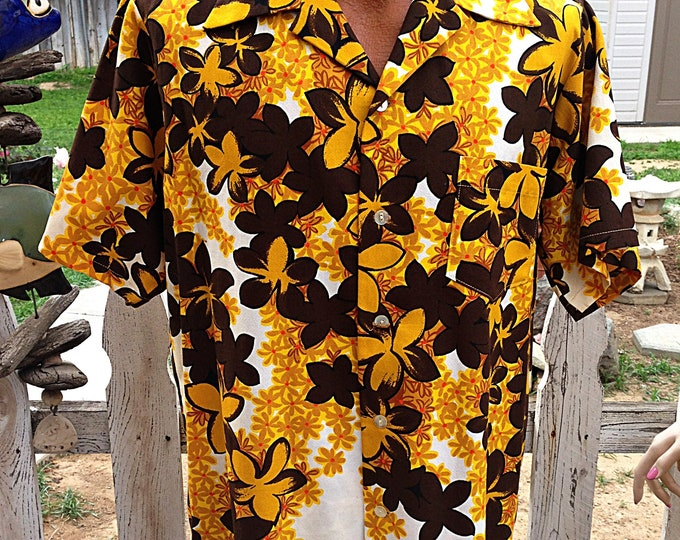 1960s Hawaiian Tiki Brown Floral Cotton Barkcloth Men's Shirt