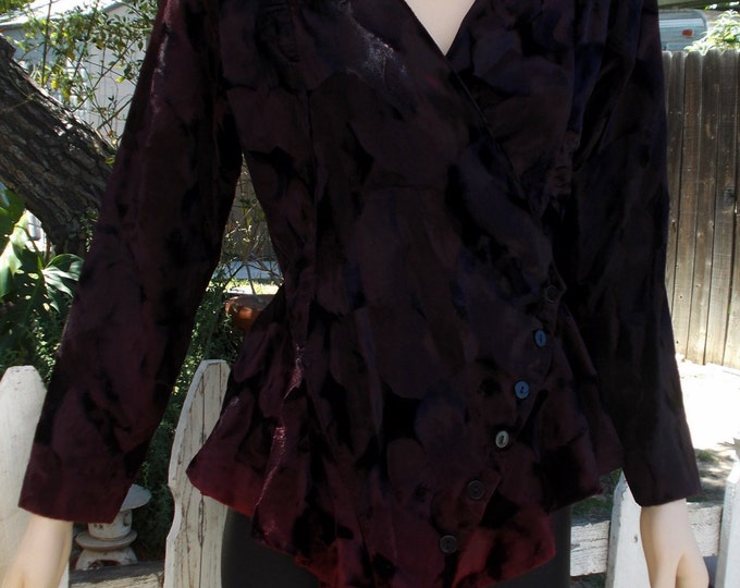Vintage 90s Goth VU Studio Black Red Crushed Velvet Womens Punk Rock Hipster Button Front Long Sleeve Pullover Blouse Top M