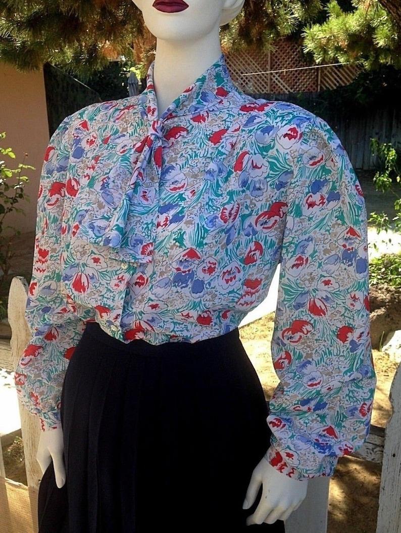 Vintage 80/'s Cricket Lane White Blue Red Floral Secretary Preppy Women/'s Long Sleeve Blouse