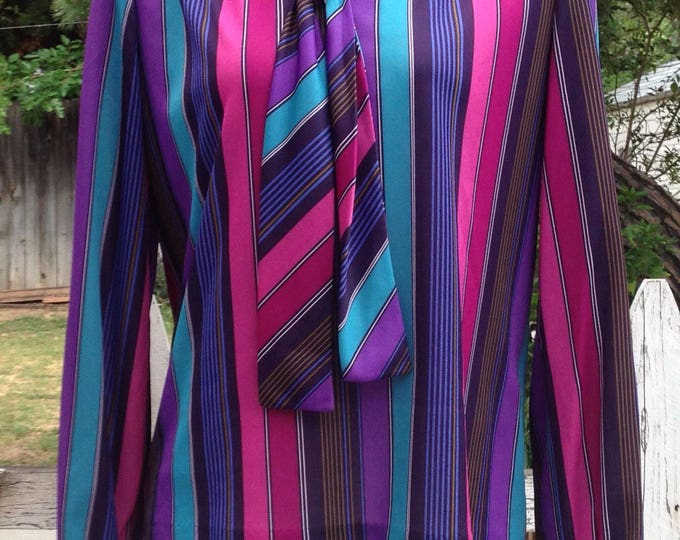 Vintage 70s Mod Hippie Chic Preppy Petites Concepts by Devon Blue Pink Purple Stripes Polyester Womens Long Sleeve Pullover Blouse Top