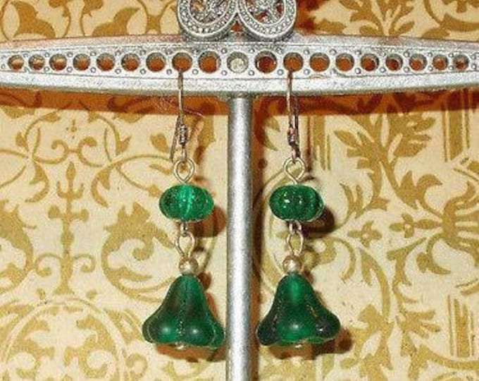 Vintage 90s Boho Hippie Chic Green Floral Tulip Glass Bead Handmade Drop Dangle Stainless Steel Earrings