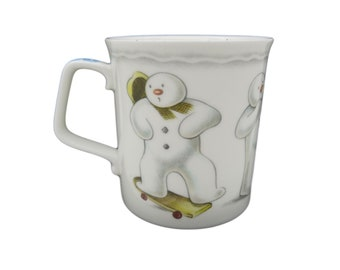Playful Snowman Mug   Royal Doulton Snowman Gift Collection   First Quality   Made In England