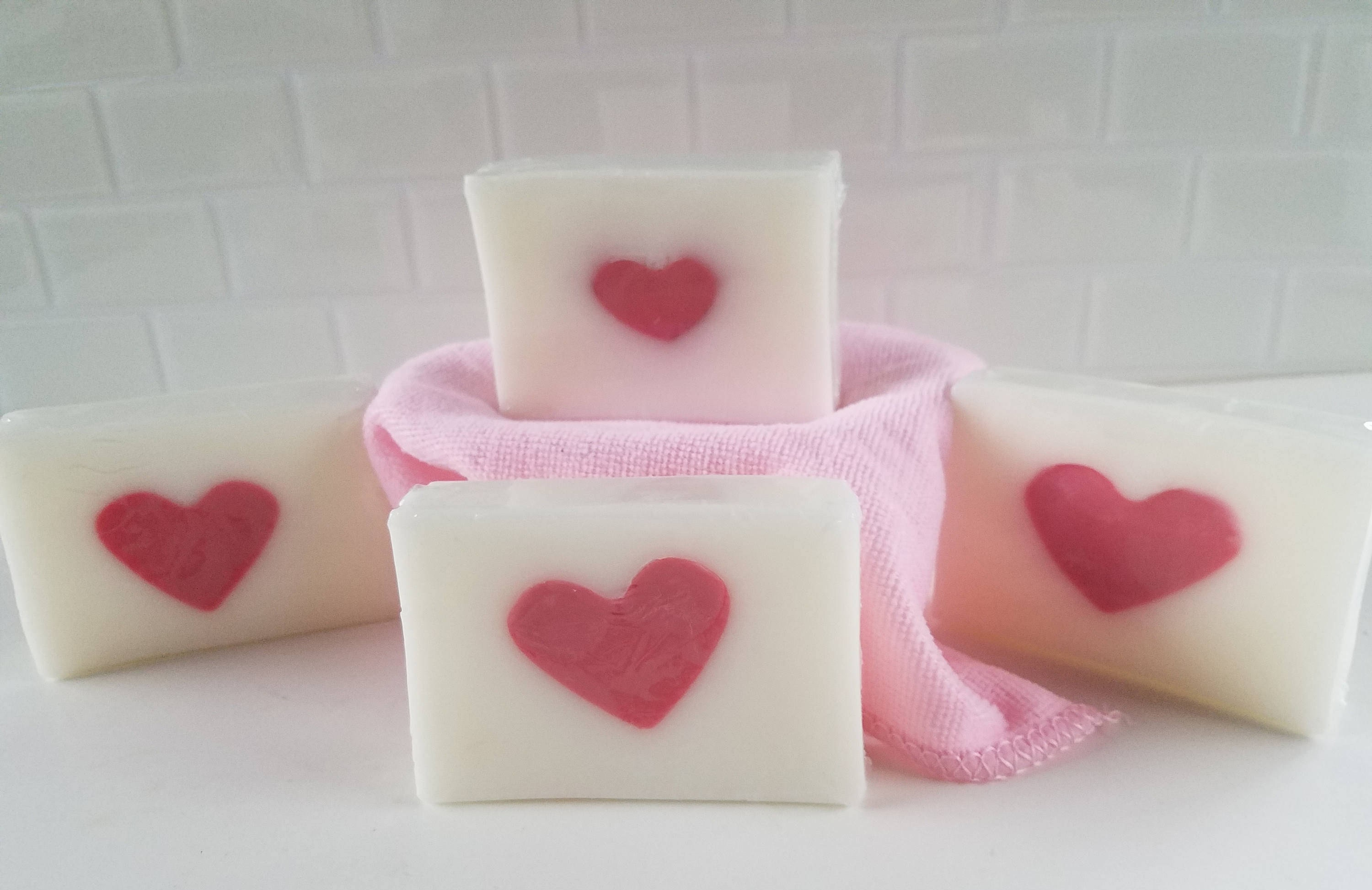 Heart soaps - Sweetheart gifts, Valentine\'s Day, Wedding favors ...