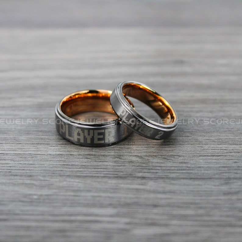 FREE SHIPPING FREE Custom Engravng 2 Piece Couple Set Tungsten Bands with Beveled Edge Player 1 Player 2 Gamer Rings Gunmetal Tungsten Rings