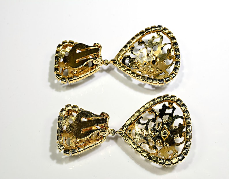 Clip on Vintage Black and Gold Earrings