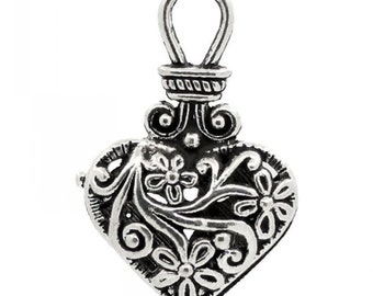 2 Antique Silver Filigree Heart Pendant Charm for Necklace 31mm  - 20N