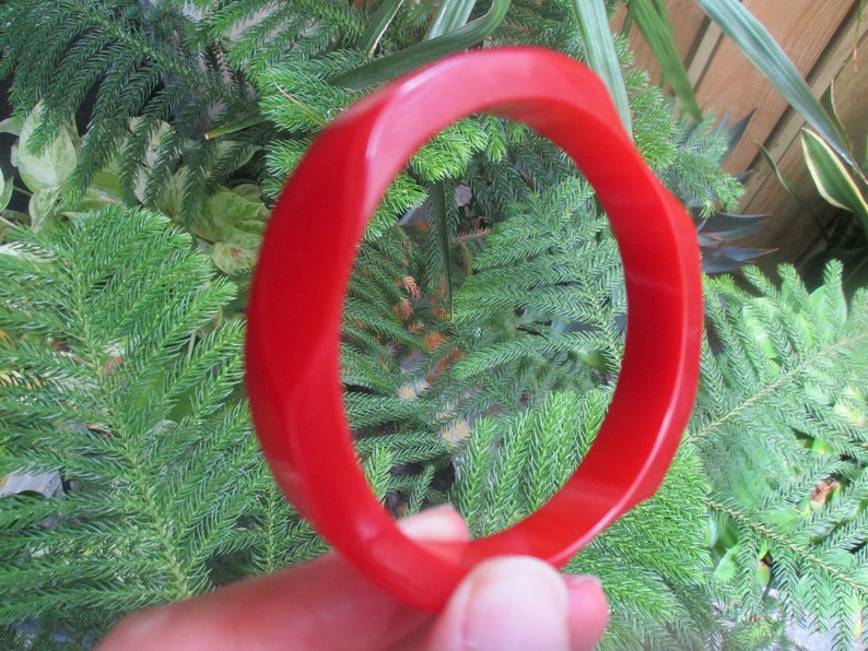 Uniquely Beveled Edges!!! Vintage 12 Cherry Red Bakelite Bracelet