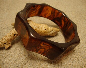 Vintage Amber & Rust Octagon Bakelite Bracelet! Octagon Shape w/ Concave Sides!!
