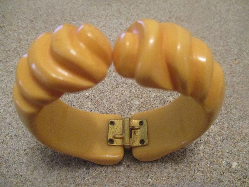 Gorgeous Deep Contoured Carvings!! Beautiful Butterscotch Clamper Bracelet