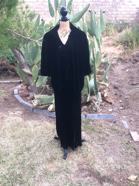 1930 old Hollywood black dress and opera coat set