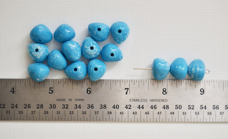 Center Drilled Light Blue and White Speckled Beads 15 Acrylic Beads Jewelry Making Beading 30 beads 10-15mm Nugget Craft Supply