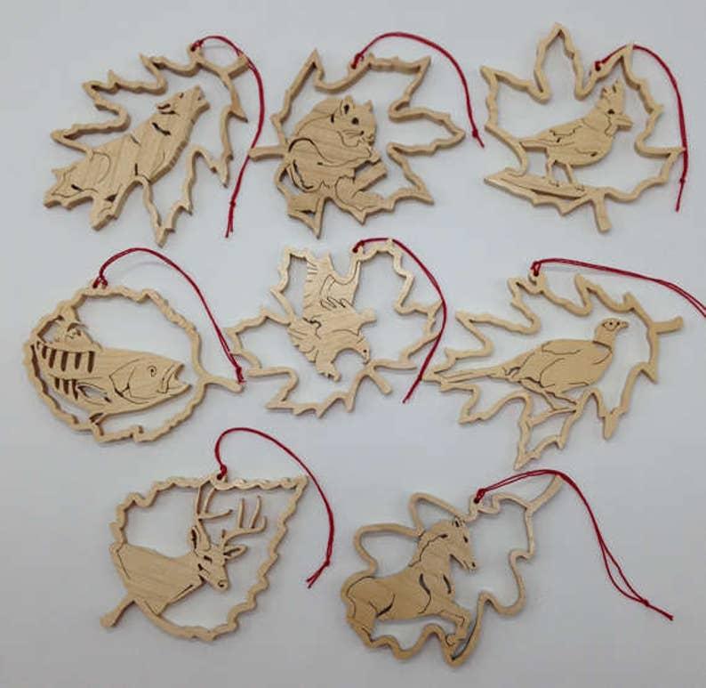 Handmade Wood 8-piece Forest Leaf Wildlife Ornament Set 1 image 0