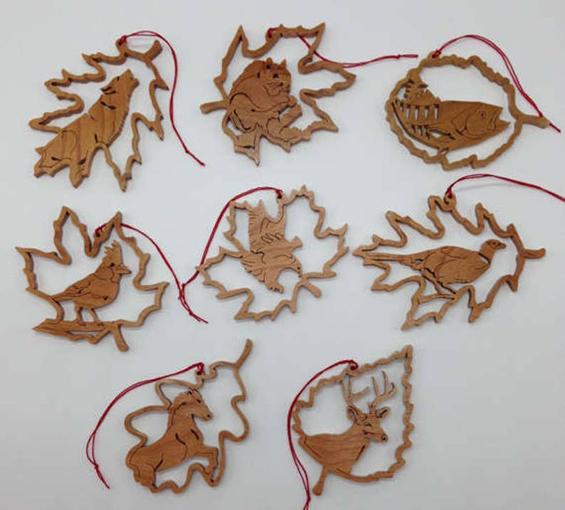 Handmade Wood 8-piece Forest Leaf Wildlife Ornament Set 1 image 0