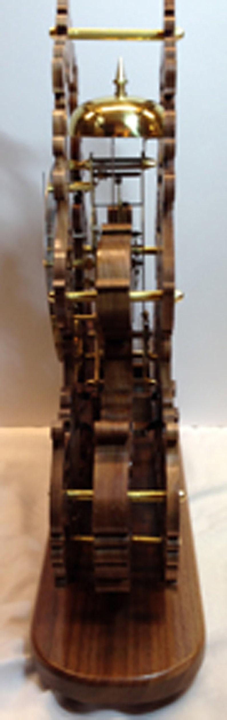 Chantournage bois fait à la main mouvement mécanique squelette étagère horloge scie à chantourner Art noyer