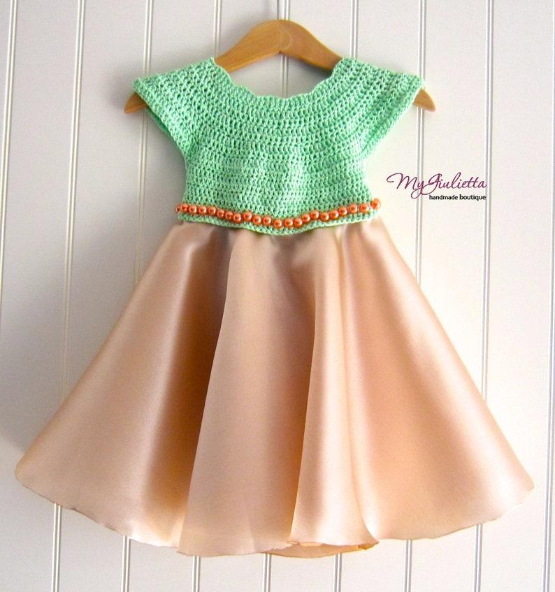 ebd48920c86a6 Robe or vert de clair pour bébé robe de baptême Satin Beige