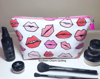 Lips Make up Bag