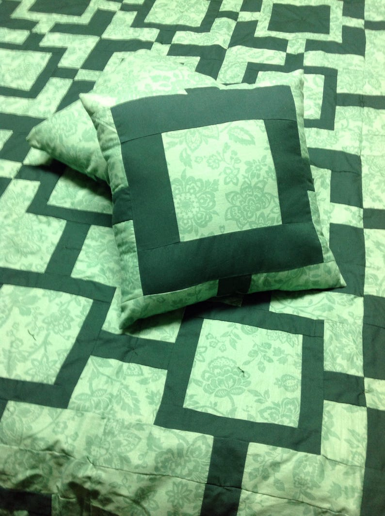 King Quilt with matching Pillows Green Fujita Maze Queen