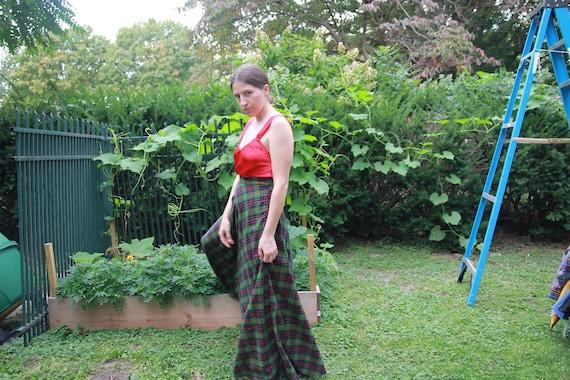 Green plaid full maxi skirt 28 waist - image 4