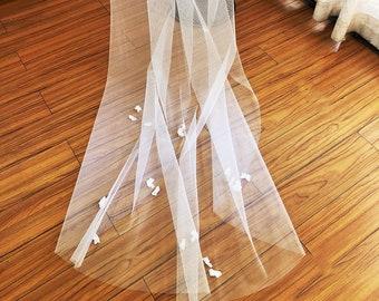 Flower Wedding Veil, Wedding Veil with Flowers, Boho Wedding Veil, Flower Bridal Veil, Beach Wedding Veil, Petal Wedding Veil, Mi Bridal