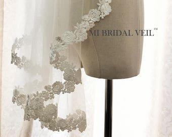 Lace Wedding Veil Fingertip, Lace Bridal Veil, Rose Lace Veil, Bridal Veil Lace at Chest, Ivory Venice Lace Veil, Mi Bridal Veil, Hand Made