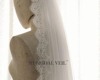 Cathedral Wedding Veil, Cathedral Lace Veil, Boho Bridal Veil, Small Eyelash Chantilly Lace Veil, Mi Bridal Veil, Hand Made