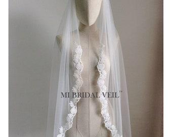 Lace Wedding Veil, Fingertip Lace Veil, Bridal Lace at Chest, Rose Lace Veil, Single Tier Lace Veil, Mi Bridal Veil