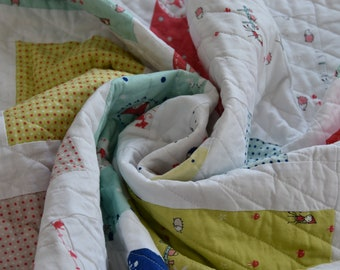 Modern baby quilt/Ready to ship/Baby quilt/Nursery decor/Toddler quilt/Handmade baby quilt/Riley blake fabric/