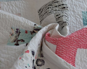 Modern baby quilt/Ready to ship/Baby girl quilt/Nursery decor/Toddler quilt/Handmade baby quilt/AGF Fabrics Wonderland/