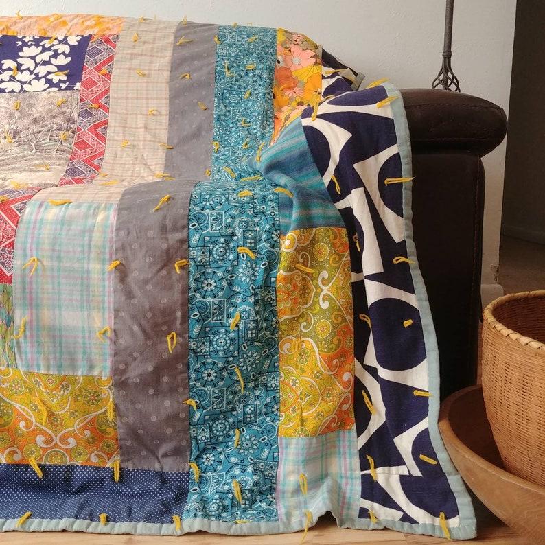 Happy 70/'s Vintage Quilt