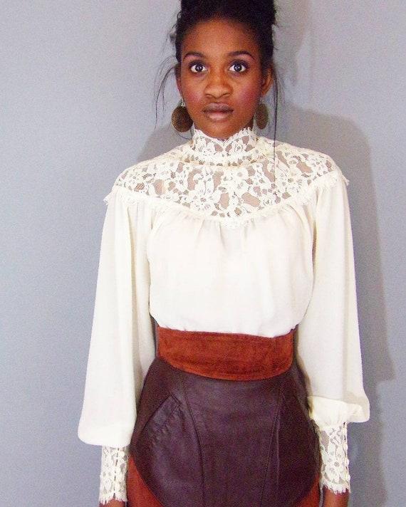 Vintage 1980s lace trim blouse