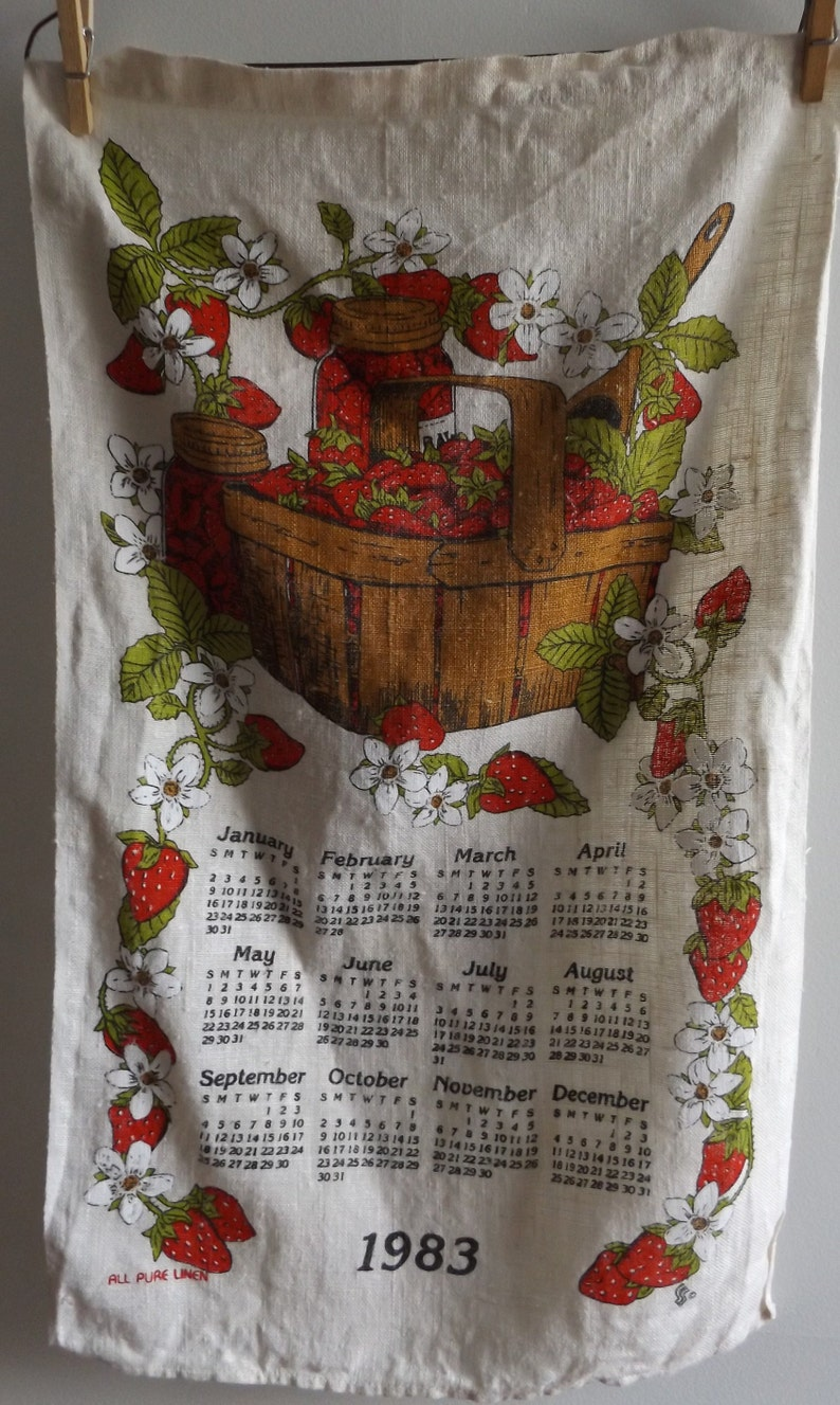 efaf1a0a37fa2 Vintage 80s Linen Calendar Basket and Border of Strawberries