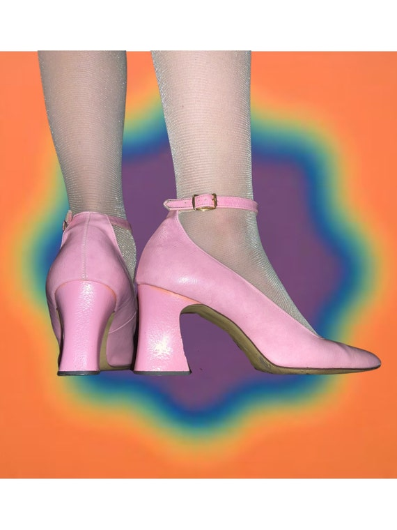 Vintage 60s pink patent leather heels