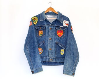 c807a8c48a3 Vintage 80 s Wrangler Denim Jacket with Patches   Men s XL   Made in USA