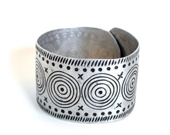 Vintage Abstract Geometric Cuff Bracelet Armband