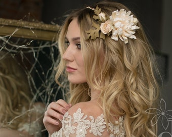 Wedding comb Floral comb Wedding flower comb Wedding hair accessories Bridal hair comb Statement accessories Ivory wedding Flower hairpiece