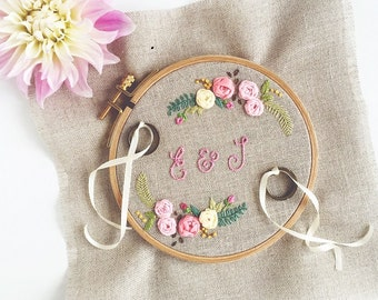 "Sweet ring pillow ""Floribunda"" with pretty Boho flowers {hand embroidered with love}"